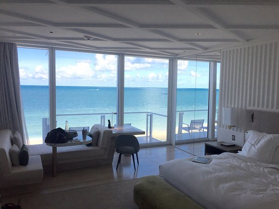 photo0 jpg - Picture of Four Seasons Hotel at The Surf Club