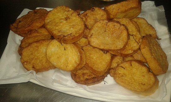 Agüimes, España: Aquí tenéis comida y mini bocadillos a la plancha