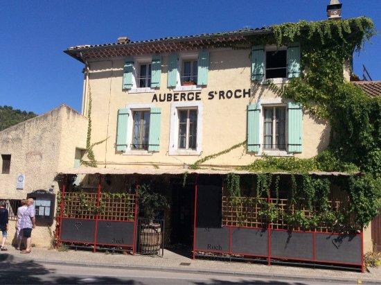 Photo de auberge st roch beaumes de venise for Au saint roch hotel jardin