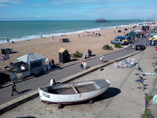 Brighton Beach: Foto presa dalla strada.