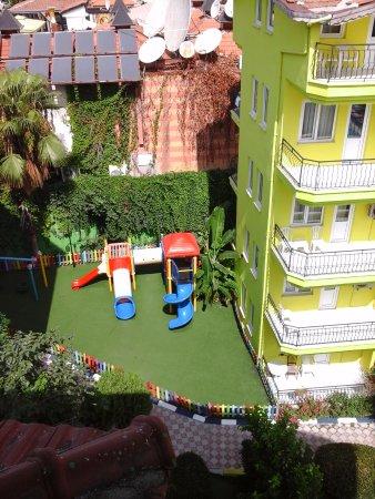 Rainbow Castle Hotel Bild
