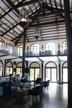 Heritage Suites Hotel Photo