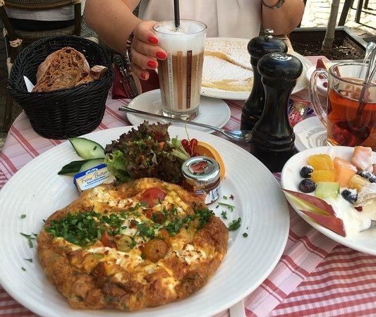 """Weinheim, Germany: Das Frühstück """"Le Greque"""" – sehr zu empfehlen!"""
