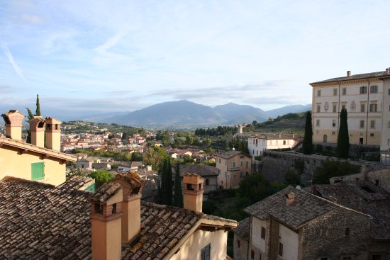 Palazzo Dragoni : View from room overlooking Umbria