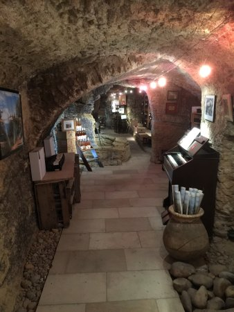Chateauneuf-du-Pape, Frankrike: The old cellars