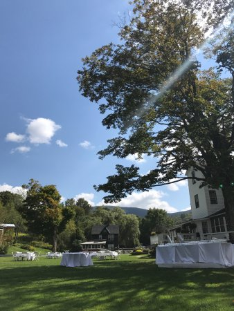 Oliverea, Nowy Jork: View from one of the dozens of Adirondack chairs while the lawn was being set up for cocktail ho