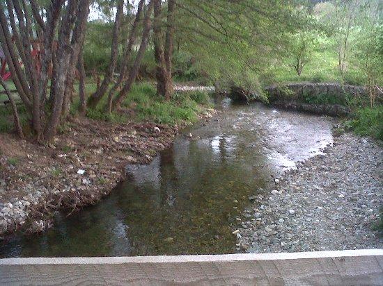 Carlopoli, Italy: il fiume intorno