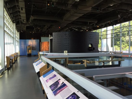 USS Monitor Center: Informative displays of Monitor