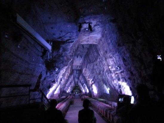 Portel-des-Corbières, France : Son et lumières dans la mine