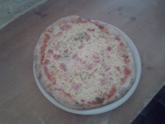 La Matanza de Acentejo, إسبانيا: Pizza cuatro quesos