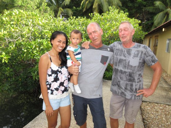 Chindonan Dive Resort : Pierre and his family and Pierre. The 2 owners. They're much better looking than this in person.