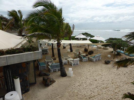 Radisson Blu Poste Lafayette Resort & Spa, Mauritius: View from pool terrace