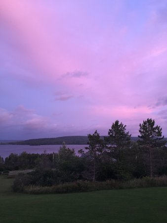 Silver Dart Lodge Beautiful Pink Sky View From Our Hotel Room At The