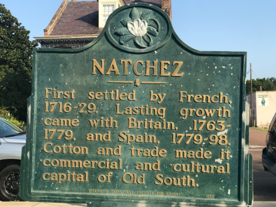 Nearby on the waterfront is this historical plaque of Natchez.