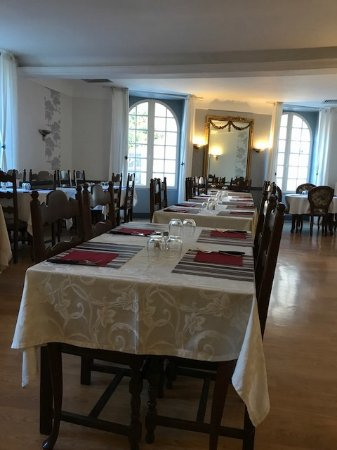 Chaunay, France: Dining room