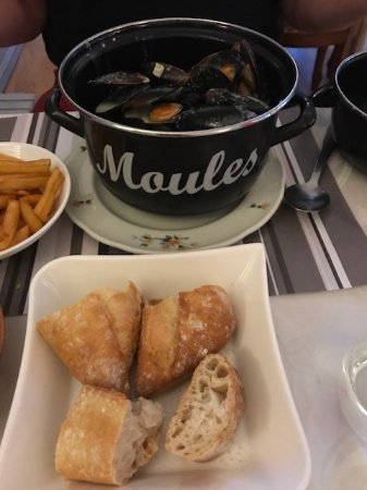 Chaunay, Francia: Delicious mussels