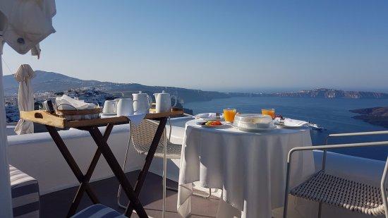 Dreams Luxury Suites: The view in breakfest