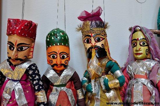 Vega de Poja, Spanien: Títeres de la región de Rajastan (India)