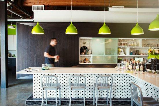 Edmonds, WA: Tasting Room
