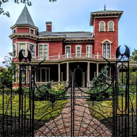 It is here - Picture of Stephen King's House, Bangor ...