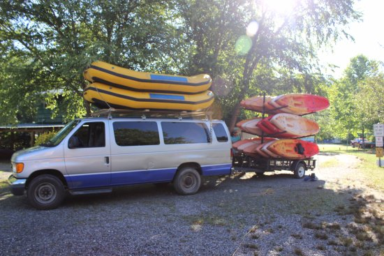 Asheville Outdoor Center: Shuttling up to our drop off