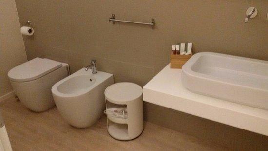 Vittoria, Italia: Nice bathroom