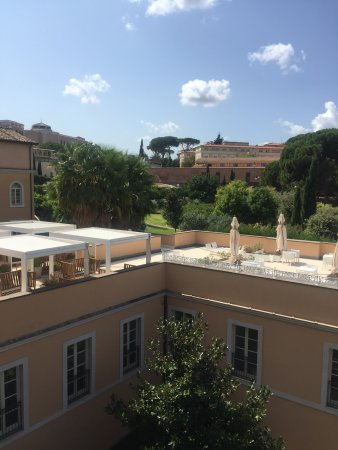 Gran Melia Rome: view from 4th floor, garden side