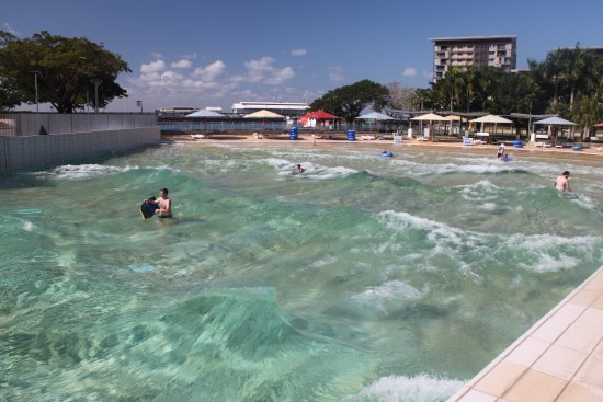 Piscina con onde picture of wave lagoon darwin for Piscina wave