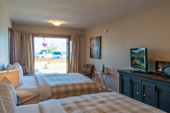 Crown Resort Motel Photo