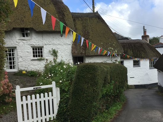 Cadgwith, UK: Helston village nearby