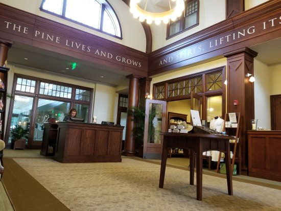 Pinehurst, NC: Check in hall