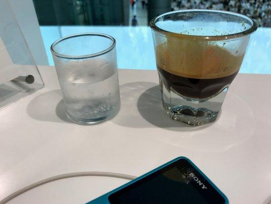 写真ブルーボトルコーヒー品川カフェ枚