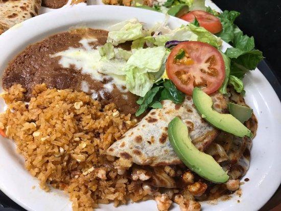 Rosa's Restaurant: Chipotle shrimp quesadillas