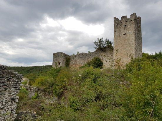 Kanfanar, Croacia: Dvigrad - Ruine