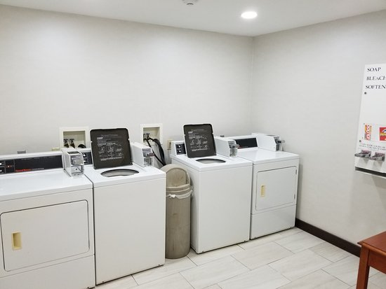 Holiday Inn Express Birch Run (Frankenmuth Area): Guest Laundry Facility