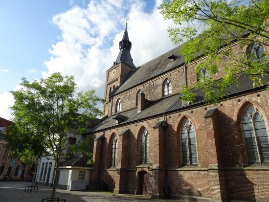 Things To Do in Grote of St. Michaelskerk, Restaurants in Grote of St. Michaelskerk