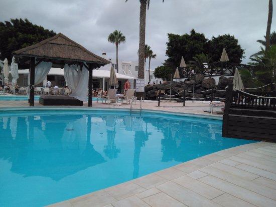 Piscina picture of h10 sentido white suites playa - Piscina playa ...