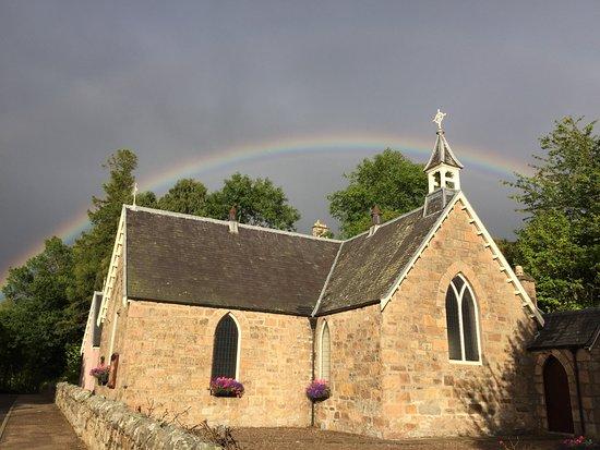 Elgin, UK: Afternoon rainbow in Speyside.