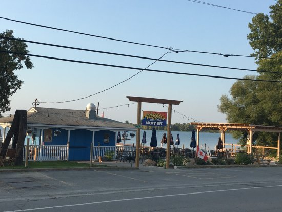 Wolfe Island, Canada: General Wolfe and the Wolfe on the Water under new management