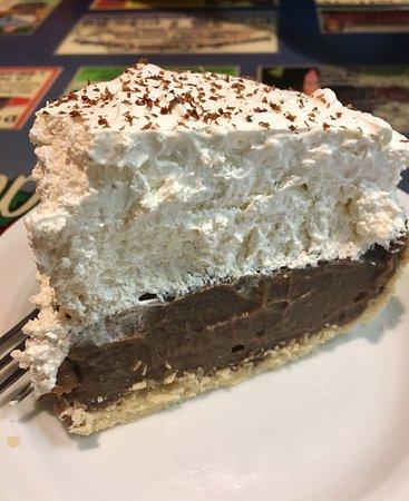Bolivar, MO: Choclate cream pie -yum!!