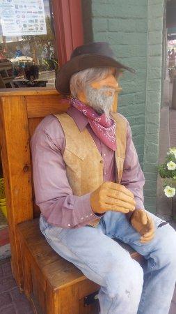 Williams, AZ: Un fedele amico fuori dal negozio