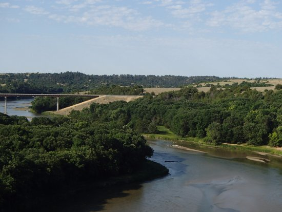 Cowboy Trail: View West Of The Niobrara River From The Cowboy Bridge Near  Valentine,