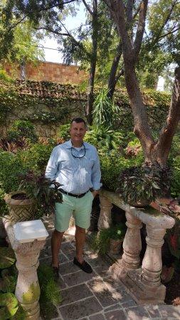 Joe T Garcia's Mexican Restaurant: Standing in the garden of Eden at Joe T's
