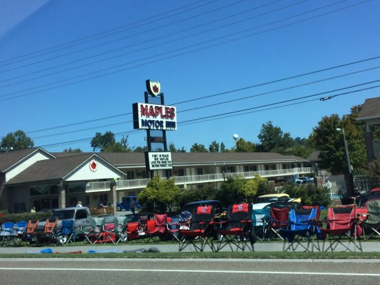 Maples motor inn pigeon forge tn motel reviews for River motor lodge pigeon forge