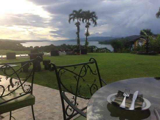 Nuevo Arenal, Costa Rica : La mejor vista del lago, deliciosa comida !!! Excelente atención ...