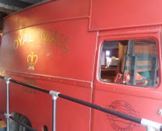 Royston, UK: Inside JP is an old postal van, converted with seating and large table. Kids love it. Prob' book