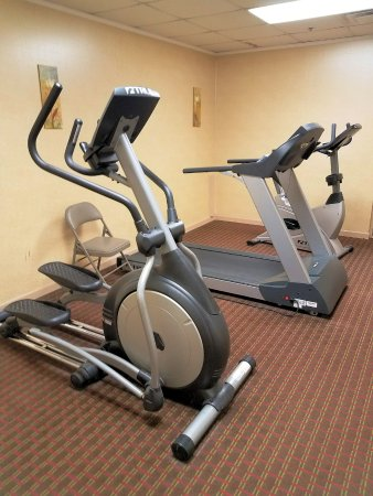 Park Grove Inn: Workout room