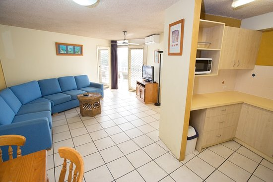 battery point holiday apartments reviews