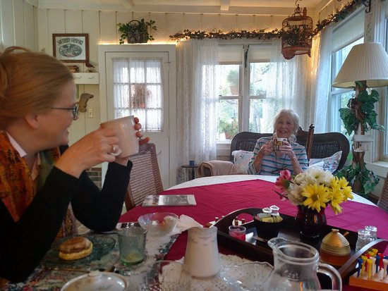 Southern Comfort Bed & Breakfast: My wife and Carole