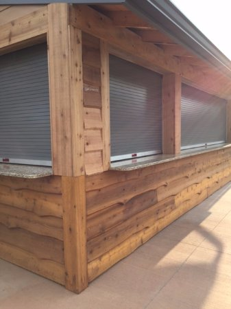 Logan, OH: Windows to the patio (corral)